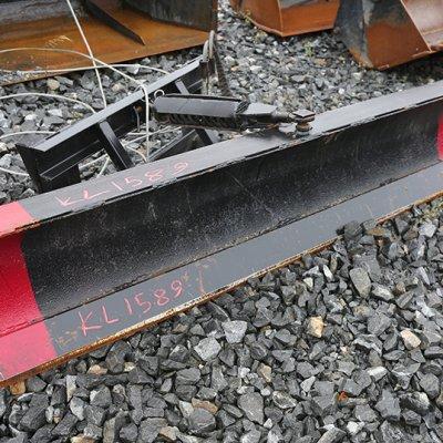 Hydraulisesti kääntyvä lumiaura 2200mm (KL1589) käytetty