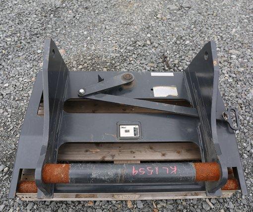 PMC Adapteri Bobcat Quicktach (KL1559) uusi
